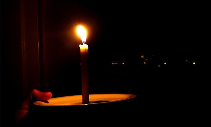 Moradores do Jardim Embaré sofrem com a falta de energia -