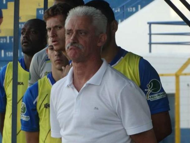 Essa foi a segunda passagem de Muller no comando técnico da Águia - Crédito: Marcos Escrivani