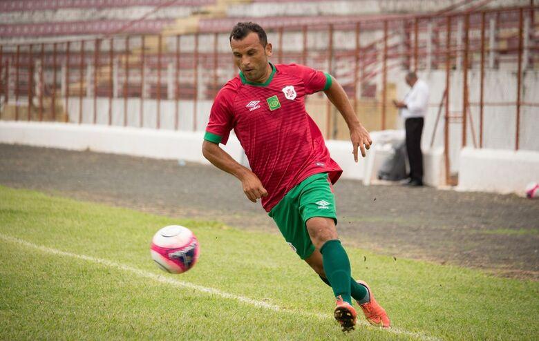 Palhinha, da Santista, participou ativamente da vitória do seu time - Crédito: Divulgação