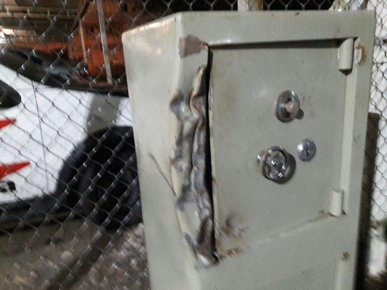 Cofre furtado em residência é localizado no Eduardo Abdelnur - Crédito: Maycon Maximino