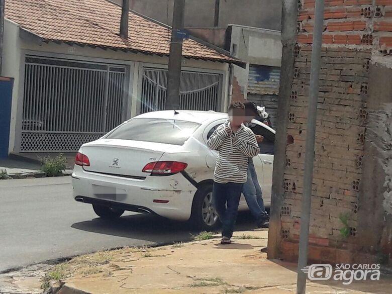 Carro sofreu danos após o acidente - Crédito: Maycon Maximino