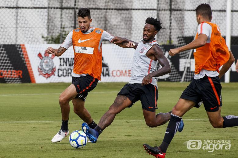 No treinamento realizado no CT Dr. Joaquim Grava, o técnico Fábio Carille fez os ajustes finais na equipe - Crédito: Rodrigo Gazzanel/Agência Corinthians/Divulgação