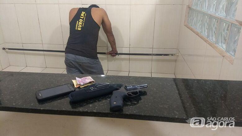 Motociclista é detido com arma de fogo no Zavaglia - Crédito: Marco Lúcio/ divulgação