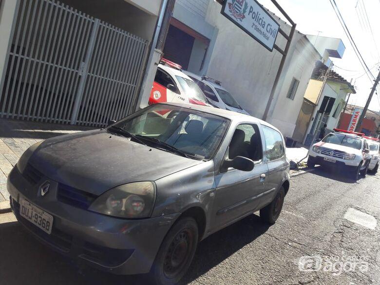 Clio foi furtado durante a madrugada e devolvido ao proprietário - Crédito: Maycon Maximino