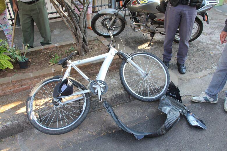 Ciclista sofreu escoriações pelo corpo - Crédito: Maycon Maximino