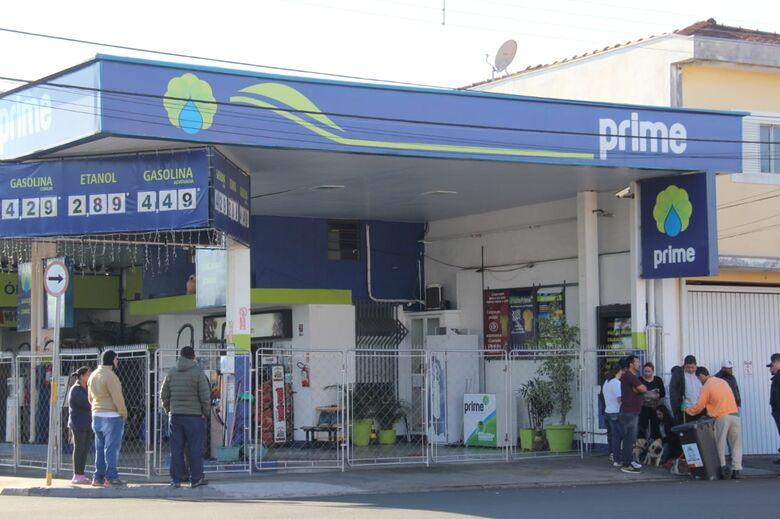 """Posto de combustíveis na Sallum está """"seco"""" - Crédito: Maycon Maximino"""