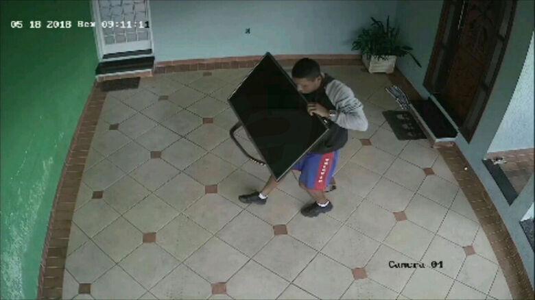 Ladrões furtam residência no Jardim Itamarati -
