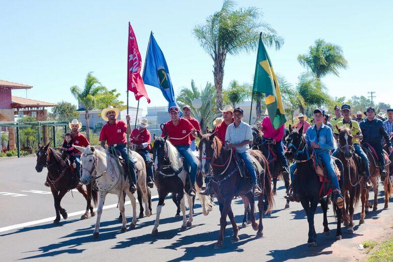 7ª Cavalgada de São Cristóvão reúne centenas de cavaleiros e amazonas em São Carlos [veja fotos] - Crédito: Marco Lucio