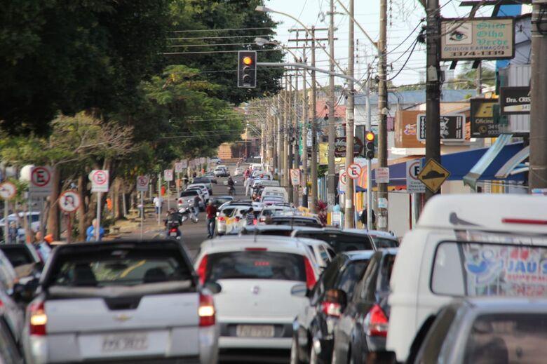 Fila de carros: motoristas buscam etanol para abastecer os veículos - Crédito: Maycon Maximino