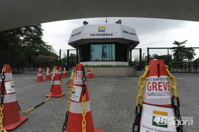 Mesmo com liminar do TST, petroleiros deflagram paralisação hoje - Crédito: Agência Brasil