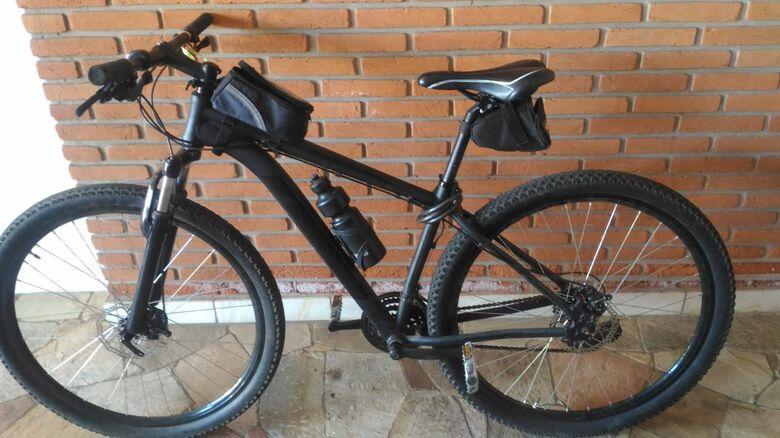 A bike que estava em poder do infrator: origem suspeita - Crédito: Divulgação