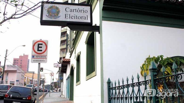 Greve dos caminhoneiros suspende atendimento no cartório eleitoral de São Carlos -