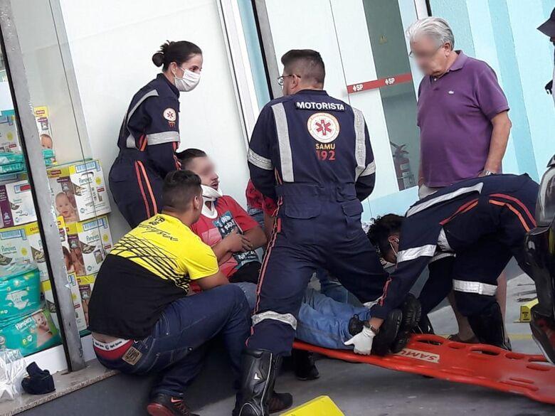 Acidente no Centro deixa motoboy ferido - Crédito: Maycon Maximino