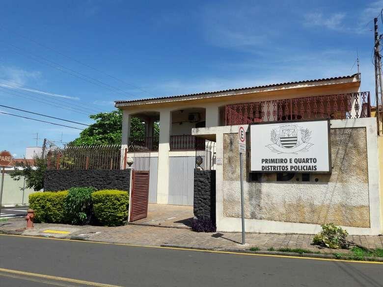Casal invade imóvel na Monteiro Lobato -