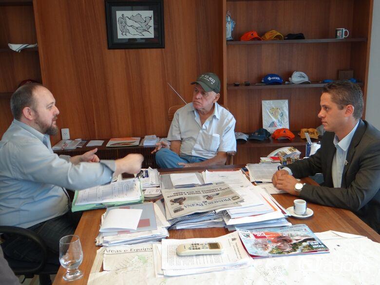 Paraná e Airton definem criação de restaurante popular no Antenor Garcia em 2019 -