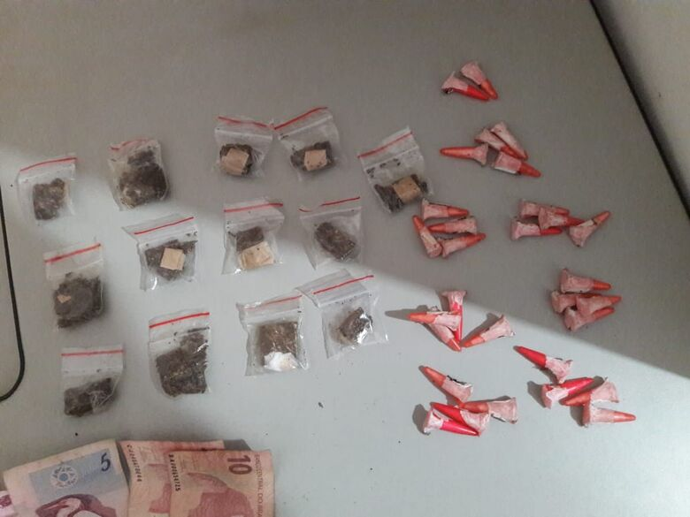 Adolescente é flagrado com drogas no Cidade Aracy - Crédito: Maycon Maximino