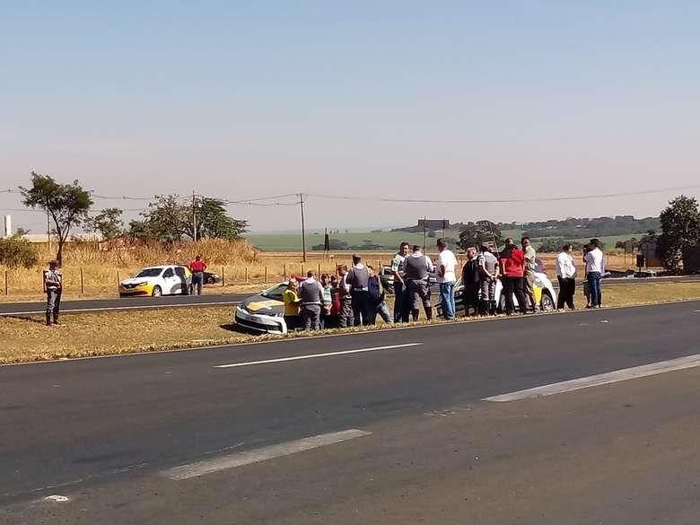 Mobilização dos caminhoneiros continua nas estradas da região; confira a atualização -