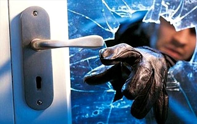 Morador esquece de trancar a porta e ladrão aproveita -