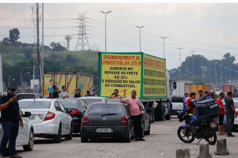 Urgente: Greve dos caminhoneiros é suspensa por 15 dias - Crédito: Agência Brasil