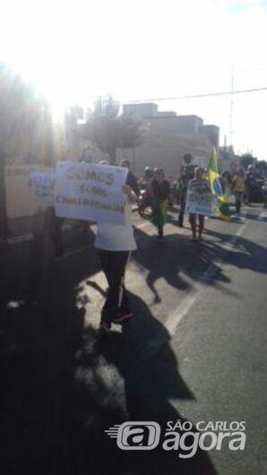 Ibateenses fazem passeata em apoio aos caminhoneiros - Crédito: Rota das Notícias