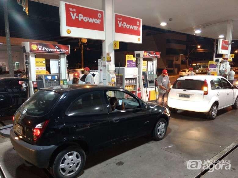 Protesto surte efeito e etanol está em queda em São Carlos -