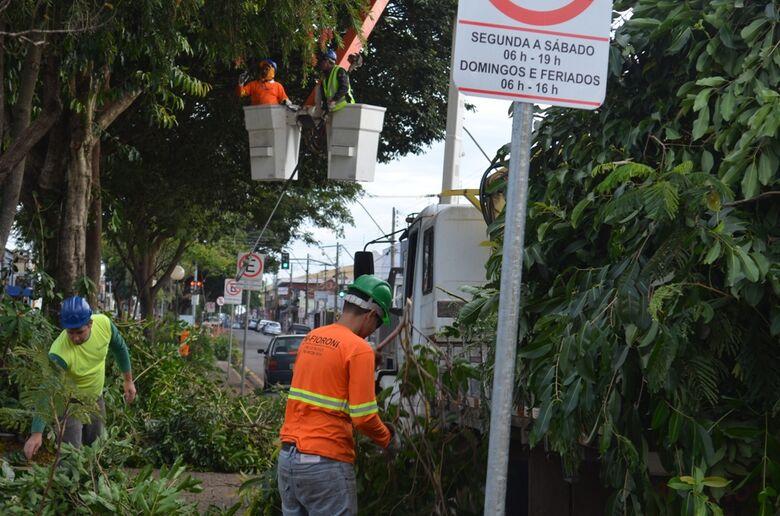 Prefeitura centraliza equipes de serviços na Vila Prado -