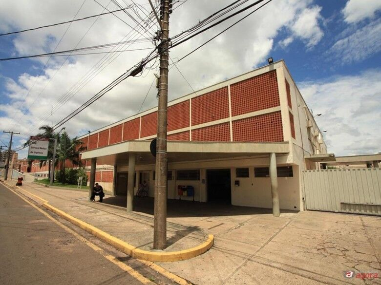 Santa Casa de São Carlos contrata recepcionista -