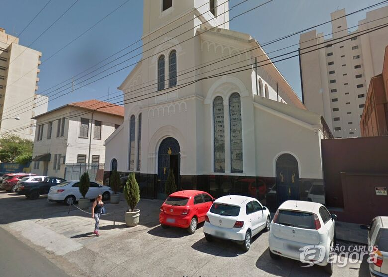 Ladrão furta cruz na igreja São Sebastião -