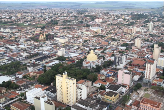 Para o diretor-titular do Ciesp São Carlos, Emerson Chu, o município precisa proporcionar um ambiente de negócios favorável à indústria - Crédito: Arquivo/SCA