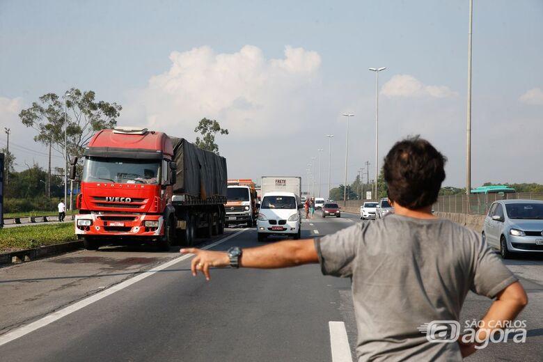 Protestos de caminhoneiros contra alta do diesel entram no 6º dia - Crédito: Tânia Rego/Agência Brasil