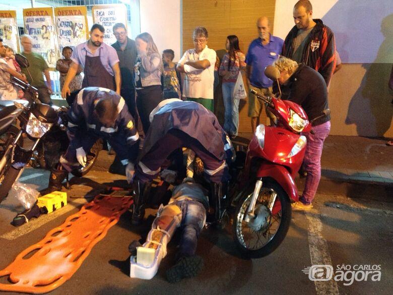 Motorista causa colisão ao fazer conversão na Vila Monteiro - Crédito: Luciano Lopes