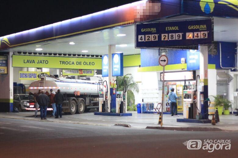 Posto de São Carlos está recebendo etanol desde o início da greve - Crédito: Marco Lúcio