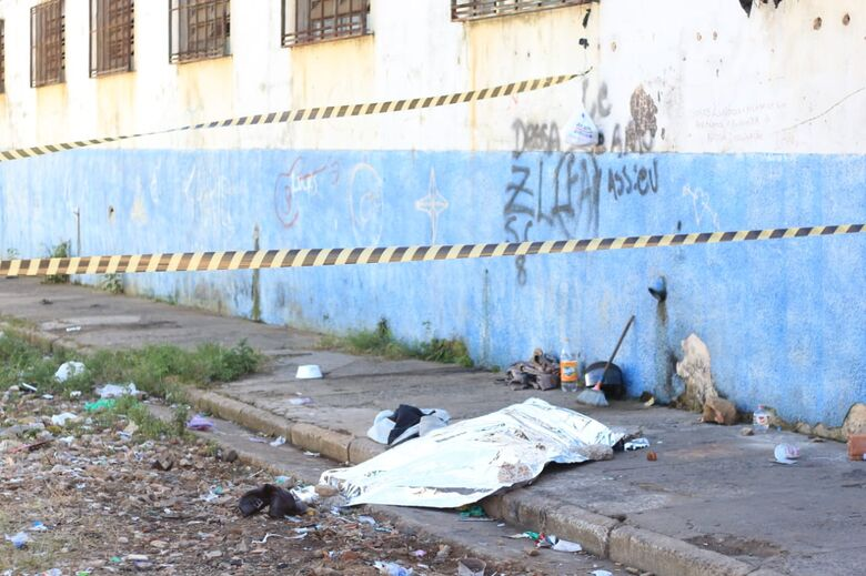 Mulher passa mal e morre na rua, na Vila Isabel - Crédito: Marco Lúcio
