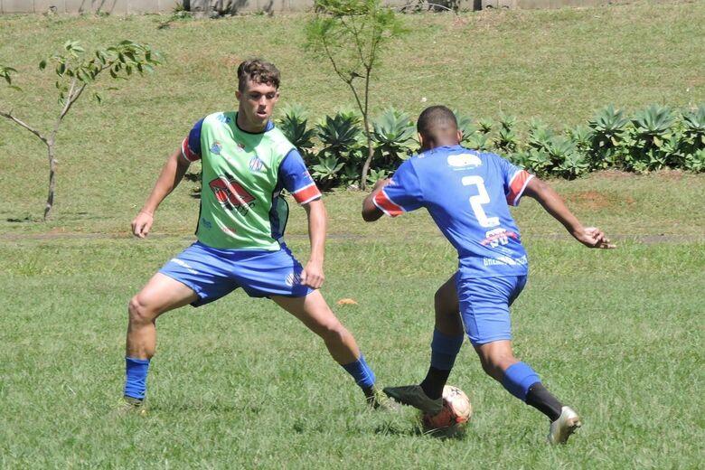 Lobão está avaliando atletas para o Campeonato Paulista sub20 - Crédito: Gustavo Curvelo/Divulgação