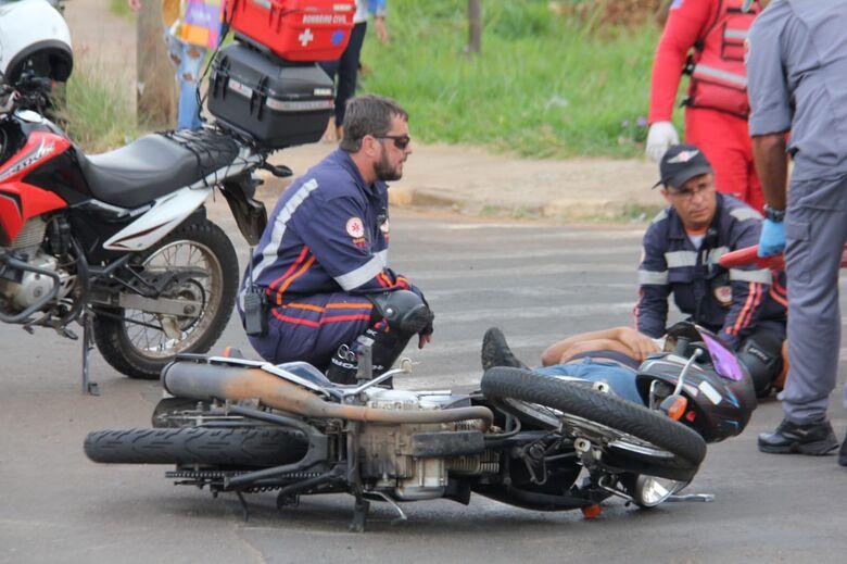 Motociclista sofre acidente perto do Fórum Cível - Crédito: Maycon Maximino