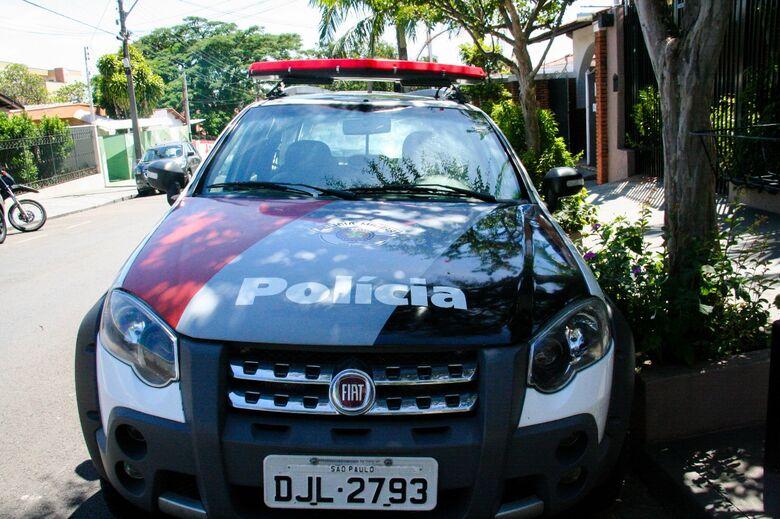 Em briga de casal, veículo é danificado - Crédito: Arquivo/SCA