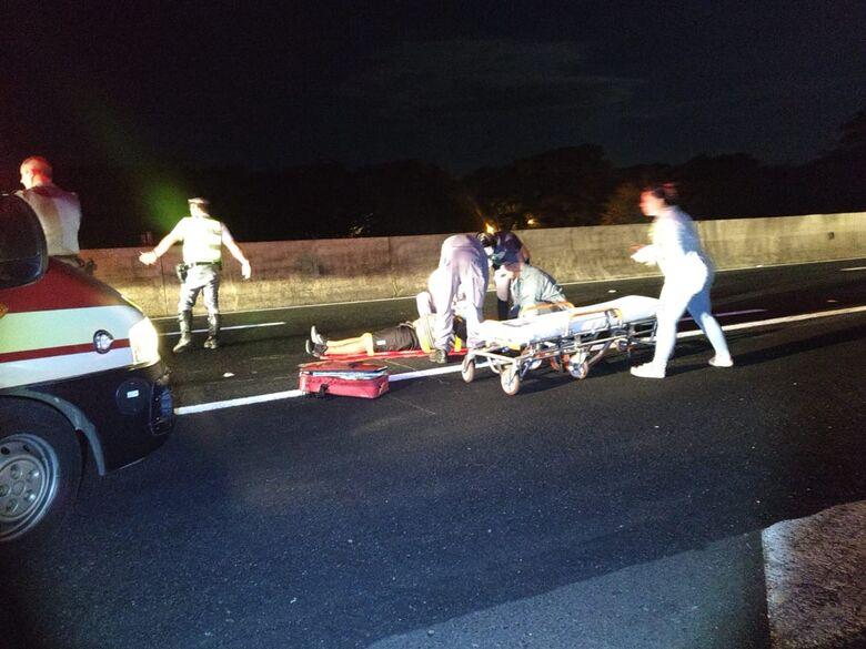 Motociclista colide na traseira de um Renault; motorista foge - Crédito: Luciano Lopes