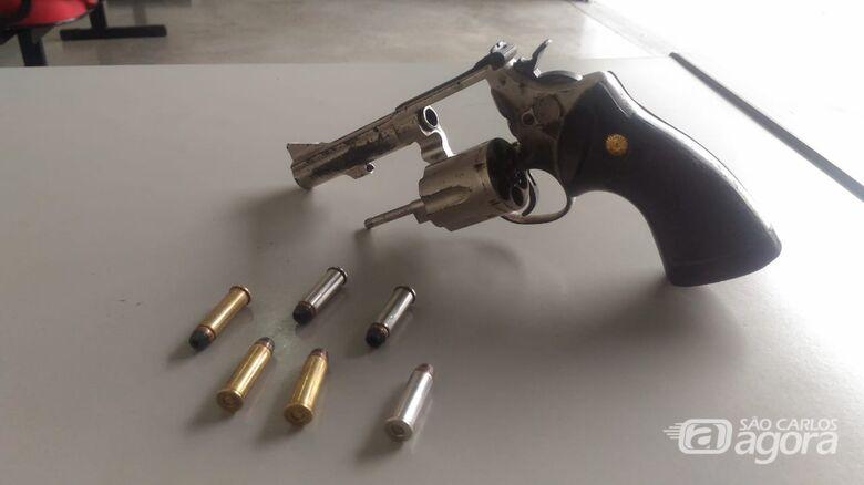 Homem é flagrado com arma de fogo no Antenor Garcia - Crédito: Divulgação