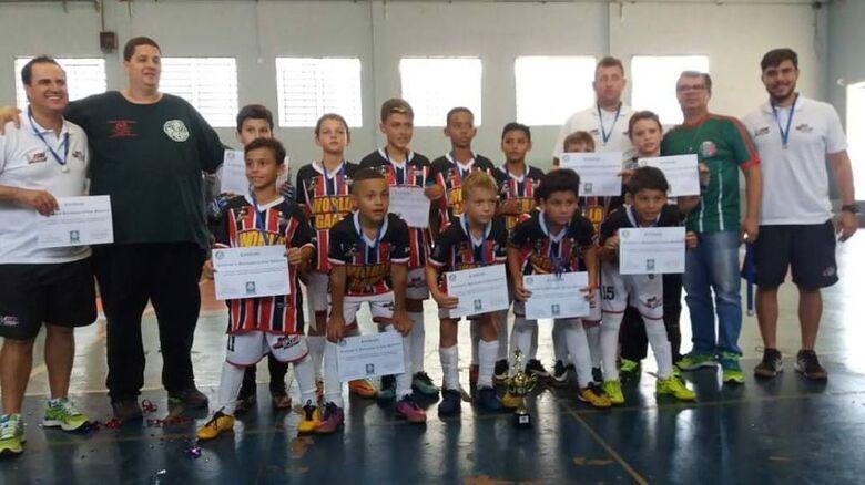 Pequenos são-carlenses brilham em Rio Claro: campeões da Copa Palmeiras - Crédito: Divulgação