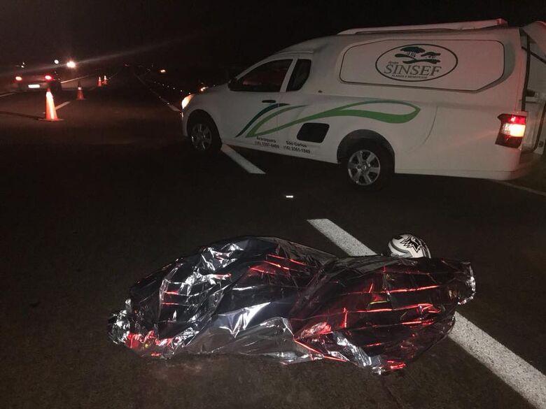 Jovem morre atropelado na rodovia SP-255 - Crédito: Divulgação