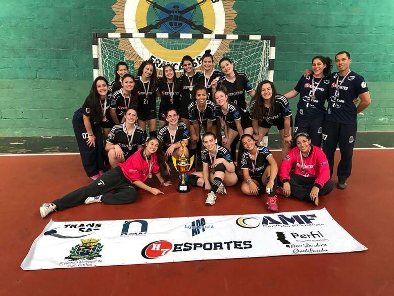 São-carlenses comemoram: a segunda melhor equipe do Estado nos Joguinhos Abertos do Interior - Crédito: Divulgação