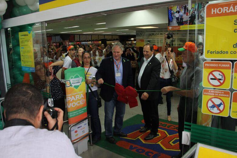 Com a presença de autoridades, Atacadão inaugura loja em São Carlos - Crédito: Maycon Maximino