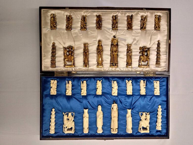 Jogo de xadrez em marfim oferecido a Prestes em viagem à China - Crédito: BCo-UFSCar