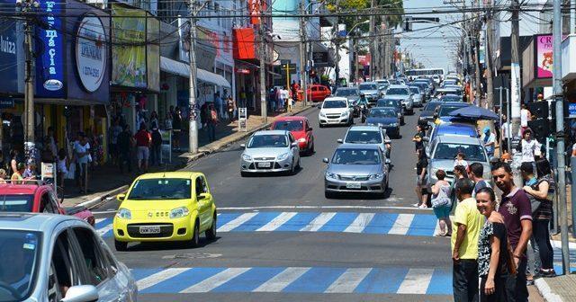 Comércio de São Carlos terá horário especial na próxima segunda-feira - Crédito: Arquivo/SCA