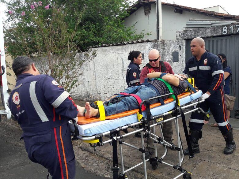 Motociclista se feriu e foi encaminhado a Santa Casa - Crédito: Maycon Maximino