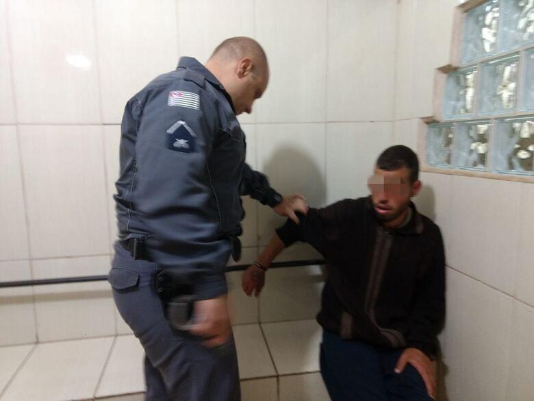 H.P.A. foi detido e acusado de tentar furtar uma casa - Crédito: Luciano Lopes