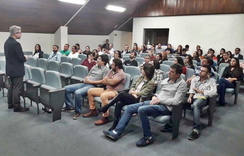 O evento foi conduzido pelo especialista em análise de crédito, Rogério Campos - Crédito: Divulgação