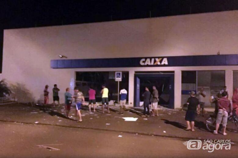 Bandidos explodem caixas eletrônicos na região de Barretos - Crédito: Redes Sociais