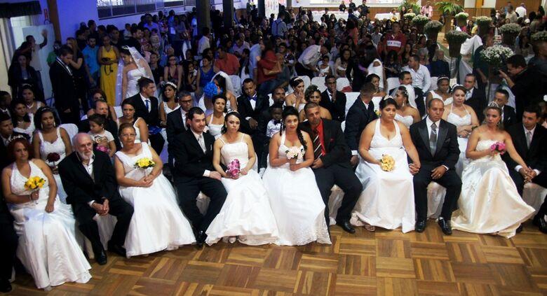 """Casamento Comunitário acontece domingo no """"The Palace"""" -"""