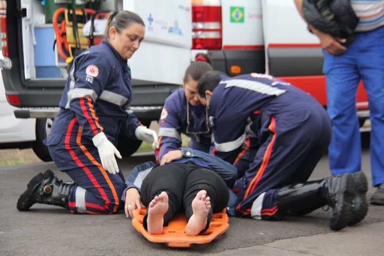Jovem sofre acidente de moto no Cruzeiro do Sul - Crédito: Maycon Maximino